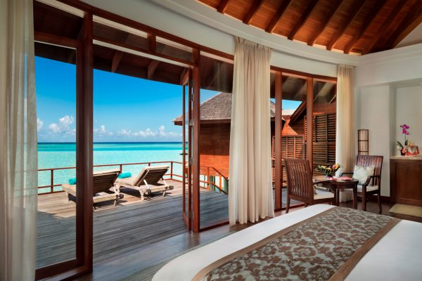 anantara-dhigu-over-water-villa-101-bedroom-Maledivenexperte