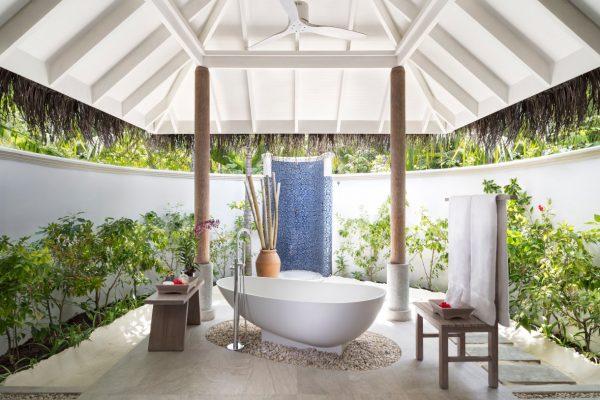 anantara-dhigu-sunset-beach-villa-bathroom-Maledivenexperte
