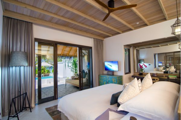 finolhu-seaside--private-pool-villa-bathroom-maledivenexperte.jpg-private-pool-villa-bedroom