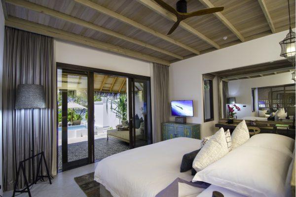 insel-seite-finolhu-beach-pool-villa-02-Maledivenexperte