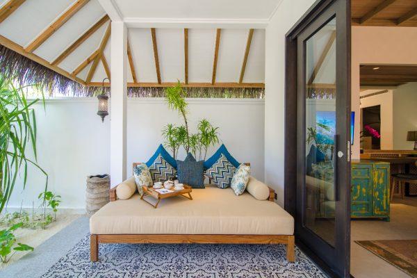 insel-seite-finolhu-beach-villa-04-Maledivenexperte