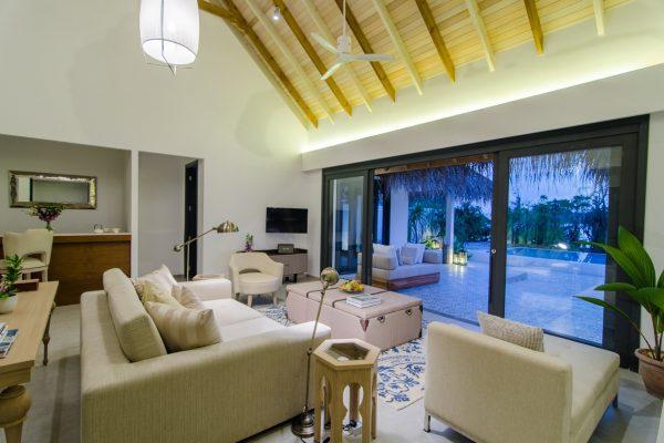 insel-seite-finolhu-twin-beach-main-room-01-Maledivenexperte