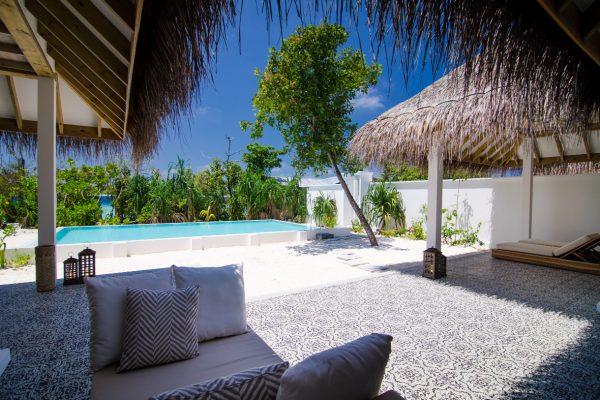 insel-seite-finolhu-two-bed-beach-pool-villa-01-Maledivenexperte
