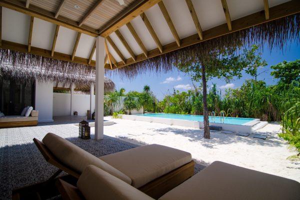 insel-seite-finolhu-two-bed-beach-pool-villa-04-Maledivenexperte