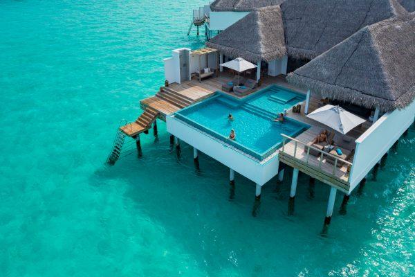 insel-seite-finolhu-two-bedroom-water-villa-with-pool-03-Maledivenexperte
