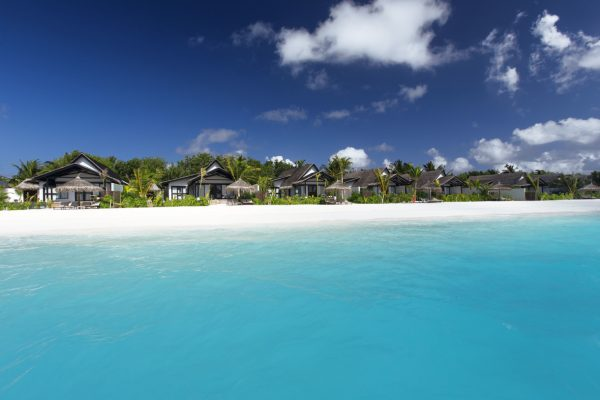 insel-seite-ozen-by-atmosphere-at-maadhoo-earth-family-suite-view-lagoon-Maledivenexperte