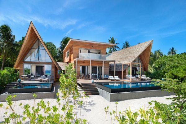 insel-seite-st.-regis-maldives-caroline-astor-estate-exterior-Maledivenexperte
