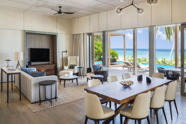 insel-seite-st.-regis-maldives-caroline-astor-estate-living-room-Maledivenexperte
