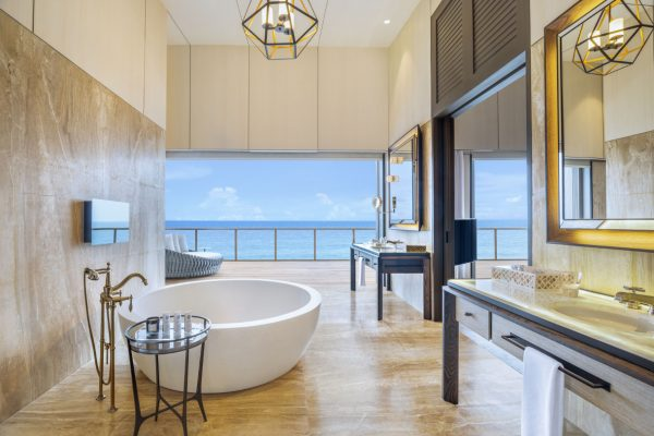 insel-seite-st.-regis-maldives-john-jacob-astor-estate-master-bathroom-Maledivenexperte