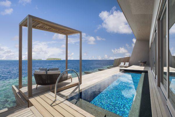 insel-seite-st.-regis-maldives-st-regis-suite-terrace-Maledivenexperte