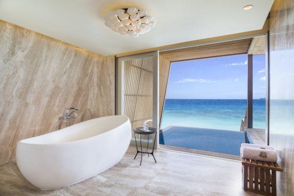 insel-seite-st.-regis-maldives-two-bedroom-family-villa-with-pool-bathroom-Maledivenexperte