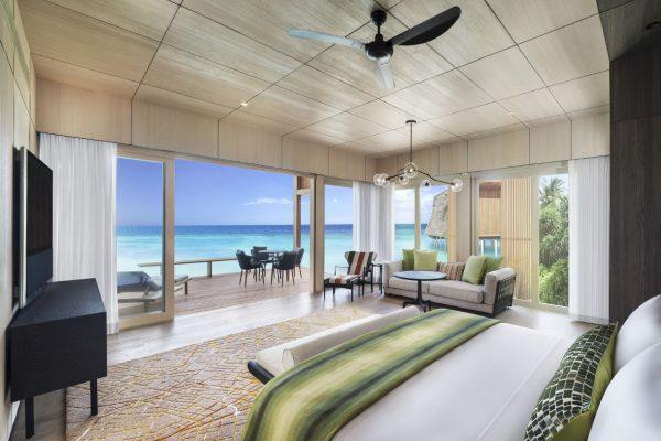 insel-seite-st.-regis-maldives-two-bedroom-family-villa-with-pool-master-bedroom-Maledivenexperte