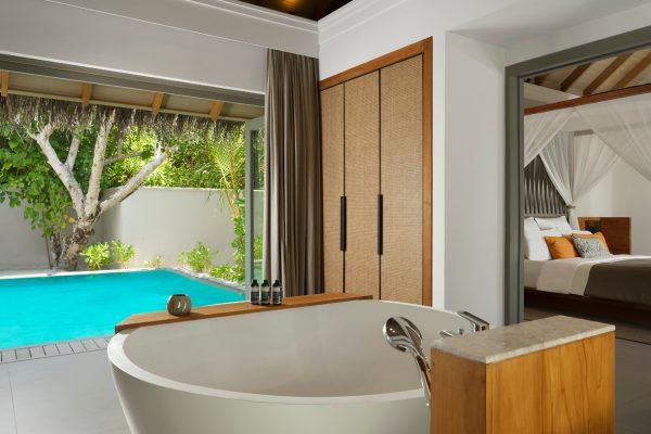 insel-seite-vakkaru-maldives-zimmerkategorien-beach-pool-retreat-maledivenexperte-01