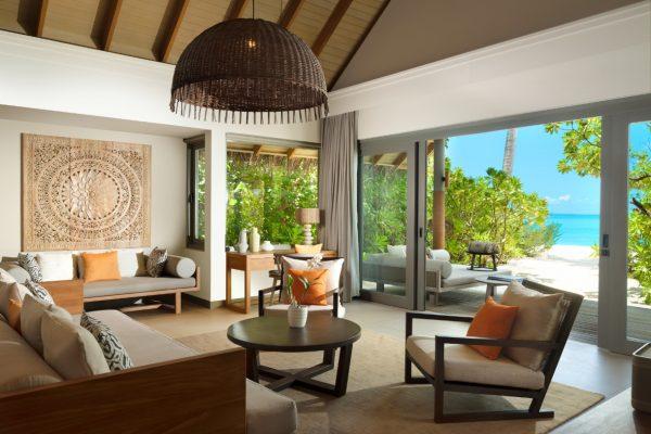 insel-seite-vakkaru-maldives-zimmerkategorien-beach-pool-retreat-maledivenexperte-03