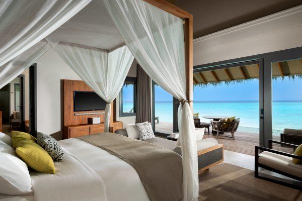 insel-seite-vakkaru-maldives-zimmerkategorien-over-water-family-pool-villa-maledivenexperte-02