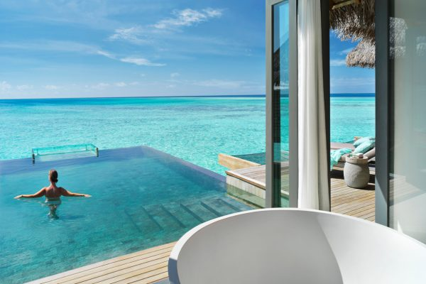 insel-seite-vakkaru-maldives-zimmerkategorien-over-water-pool-retreat-maledivenexperte-02