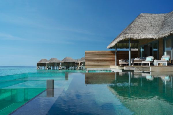 insel-seite-vakkaru-maldives-zimmerkategorien-over-water-pool-retreat-maledivenexperte-03