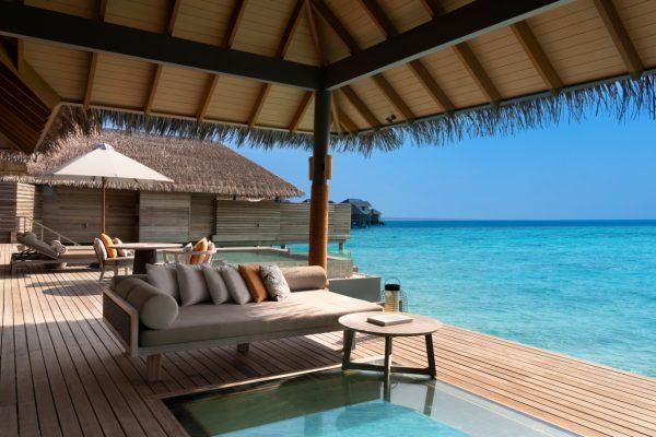 insel-seite-vakkaru-maldives-zimmerkategorien-over-water-pool-retreat-maledivenexperte-05