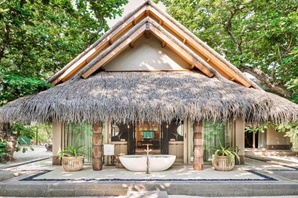 Luxury Beach Villa with Pool Bath