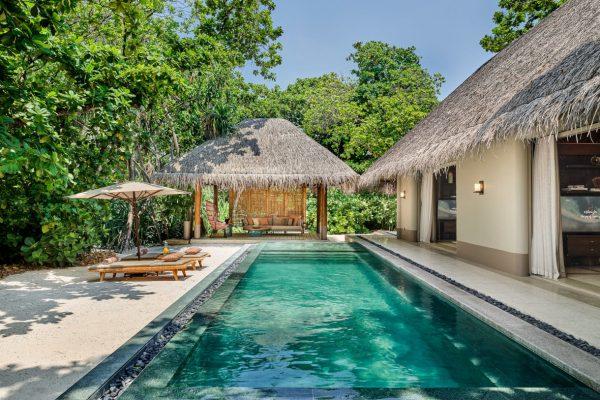 Luxury Beach Villa with Pool Outdoor