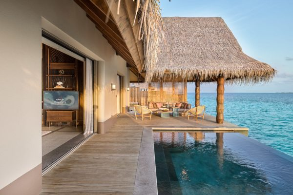 Luxury Water Villa with Pool Outdoor