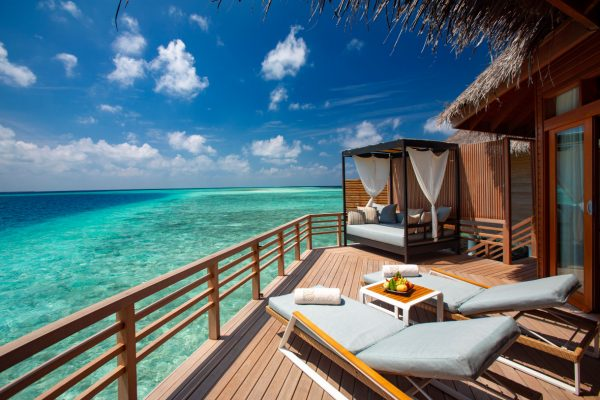 NEU-Okt-2019-insel-seite-baros-maldives-deluxe-villa-mockup-Maledivenexperte2