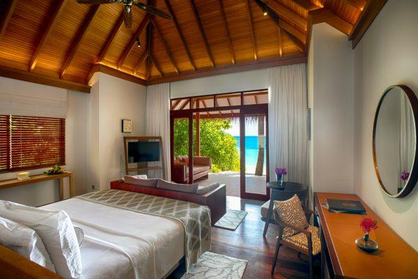 NEU-Okt-2019-insel-seite-baros-maldives-deluxe-villa-mockup-Maledivenexperte3