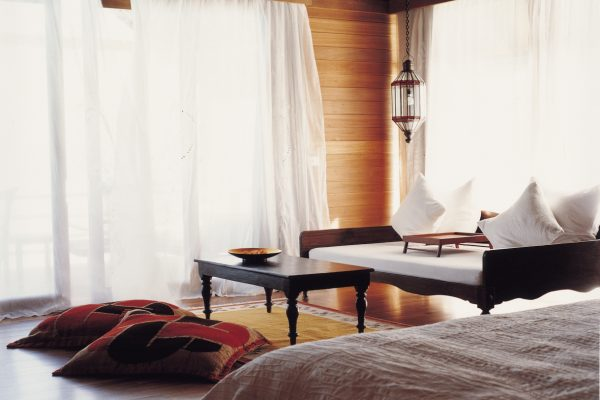 como-cocoa-island-como-villa-bedroom-Maledivenexperte