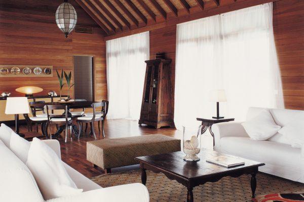 como-cocoa-island-como-villa-living-room-Maledivenexperte