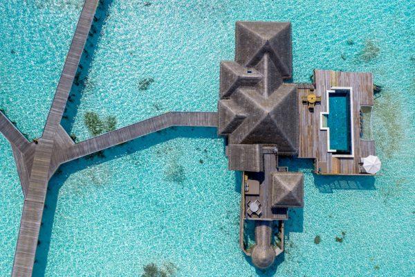 insel-seite-NEU-gili-lankanfushi-zimmer-residence-mit-pool-maledivenexperte-01