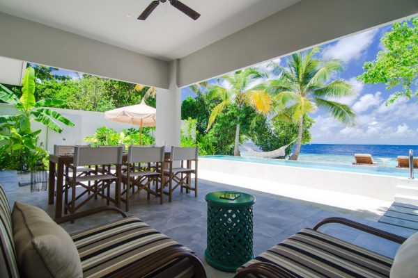 insel-seite-amilla-fushi-beach-house-exterior-03-Mlaedivenexperte