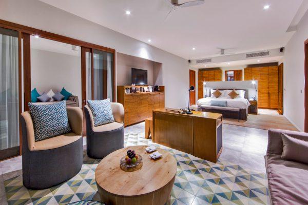 insel-seite-amilla-fushi-beach- house-interior-03-Maledivenexperte