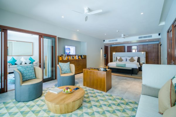 insel-seite-amilla-fushi-beach-house-interior-04-Maledivenexperte