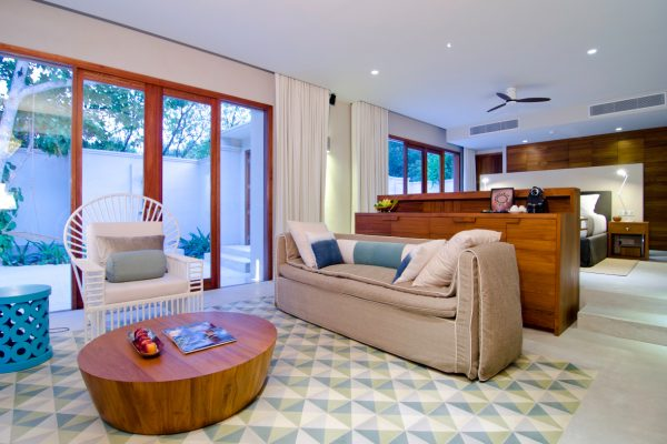 insel-seite-amilla-fushi-beach-house-interiors-03-Maledivenexperte