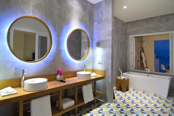 insel-seite-amilla-fushi-lagoon-house-bathroom-01-Maledivenexperte