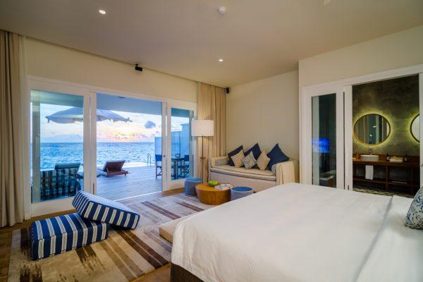 insel-seite-amilla-fushi-lagoon-house-interior-01-Maledivenexperte