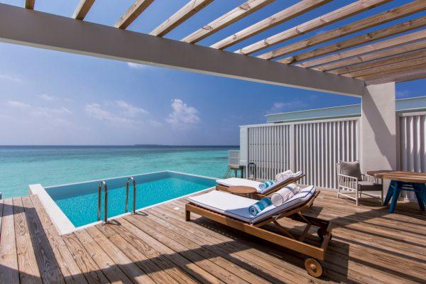 insel-seite-amilla-fushi-ocean-lagoon-house-deck-02-Maledivenexperte