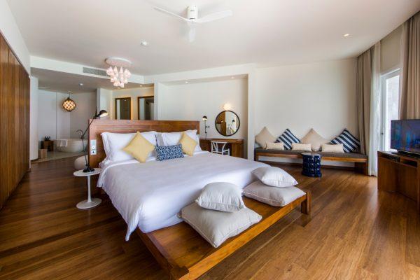 insel-seite-amilla-fushi-ocean-lagoon-house-interiors-02-maledivenexperte