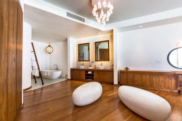 insel-seite-amilla-fushi-ocean-lagoon-house-interiors-03-Maledivenexperte