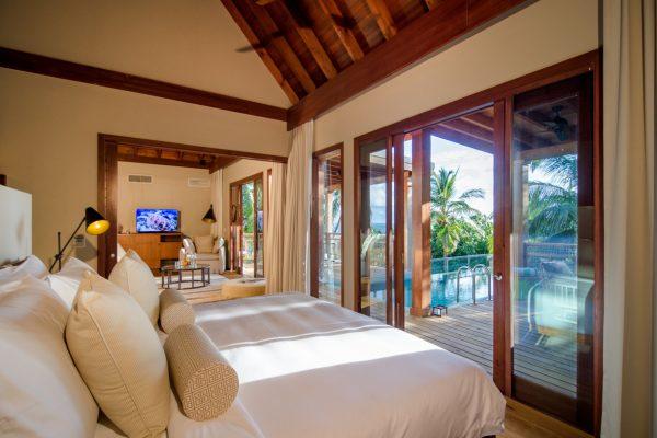 insel-seite-amilla-fushi-skyhouse-bedroom-Maledivenexperte