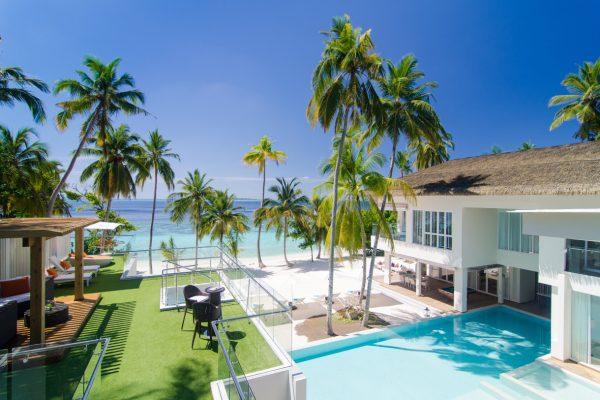 insel-seite-amilla-fushi-the-amilla-estate-6-bedroom-exterior-06-Maledivenexperte