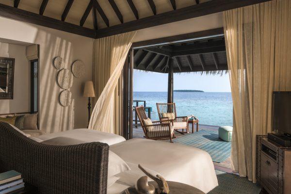 insel-seite-anantara-kihavah-2-bedroom-overwarter-residence-2nd-bed-Maledivenexperte