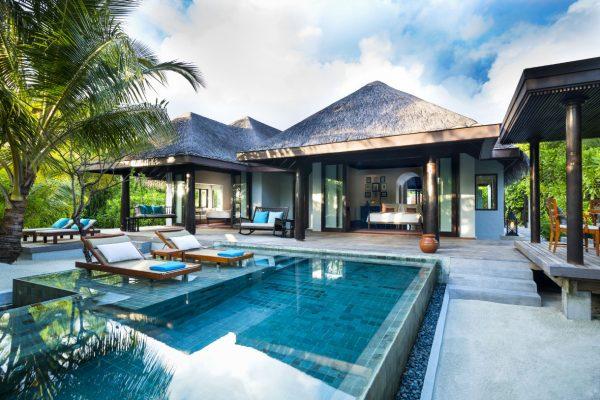 insel-seite-anantara-kihavah-family-pool-villa-exterior-Maledivenexperte