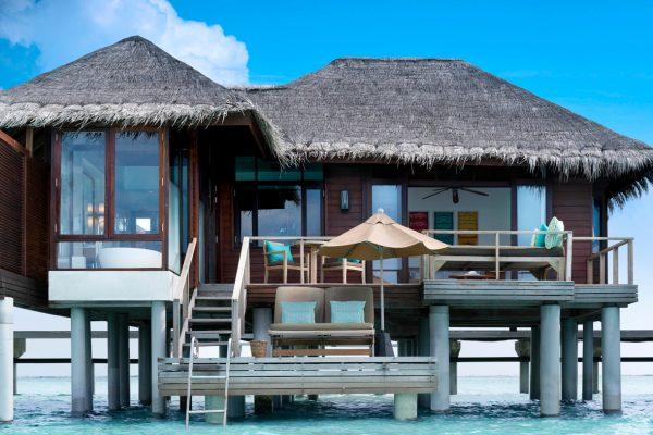 insel-seite-anantara-veli-deluxe-over-water-bungalow-exterior-Maledivenexperte