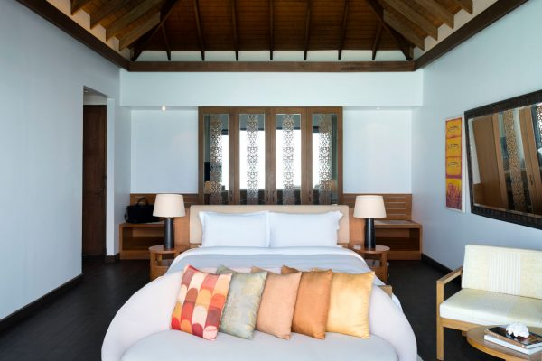 insel-seite-anantara-veli-deluxe-over-water-pool-bungalow-Maledivenexperte