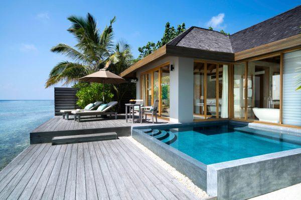 insel-seite-anantara-veli-ocean-pool-bungalow-exterior-01-Maledivenexperte