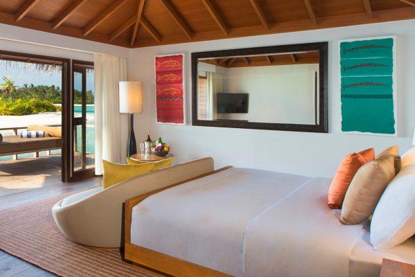 insel-seite-anantara-veli-over-water-bungalow-01-Maledivenexperte