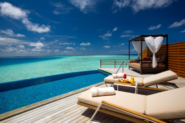 insel-seite-baros-maldives-zimmer-water-pool-villa-04