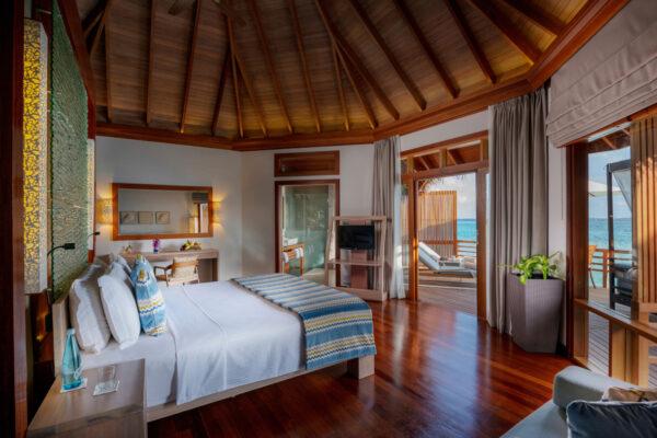 insel-seite-baros-maldives-zimmer-water-villa-05