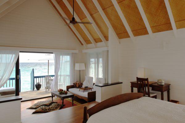 insel-seite-como-cocoa-island-dhoni-suite-interior-Maledivenexperte